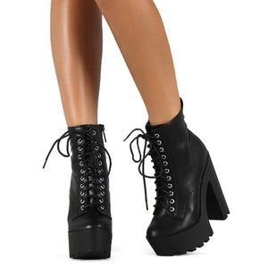 Lace Up Chunky Heel Boots
